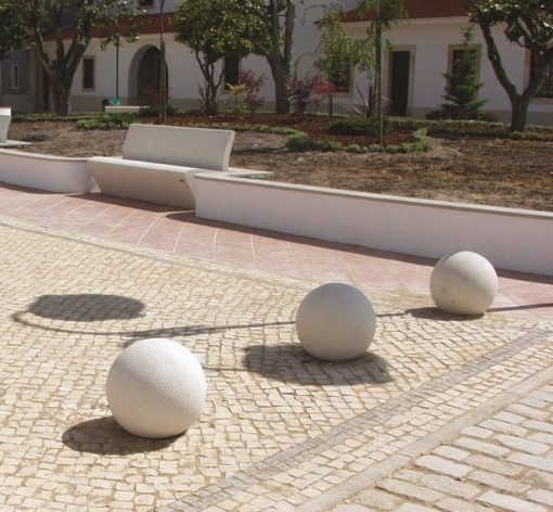 słupek w kształcie kuli Globe