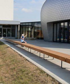 drewniana ławka parkowa