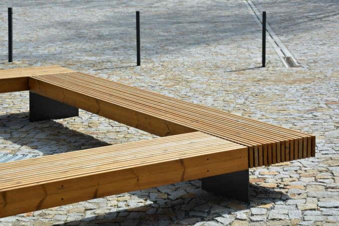 drewniana ławka parkowa Bordo