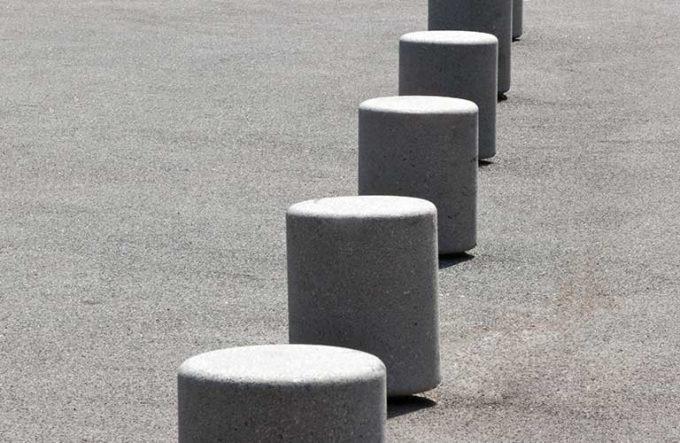 betonowy słupek parkingowy PUSH