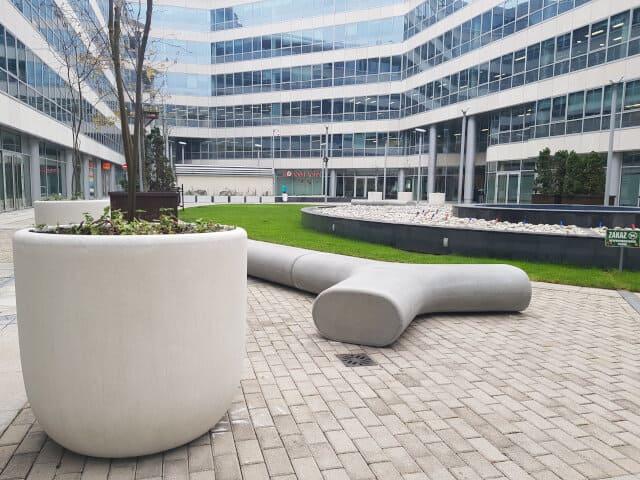 mała architektura centrum biurowe