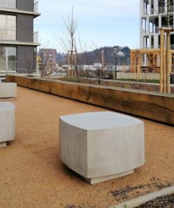 betonowe siedzisko BLED