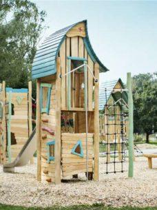 Place zabaw z drewna akacjowego