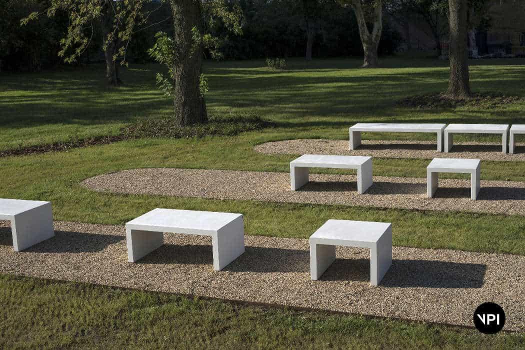 ławka betonowa LINER 2