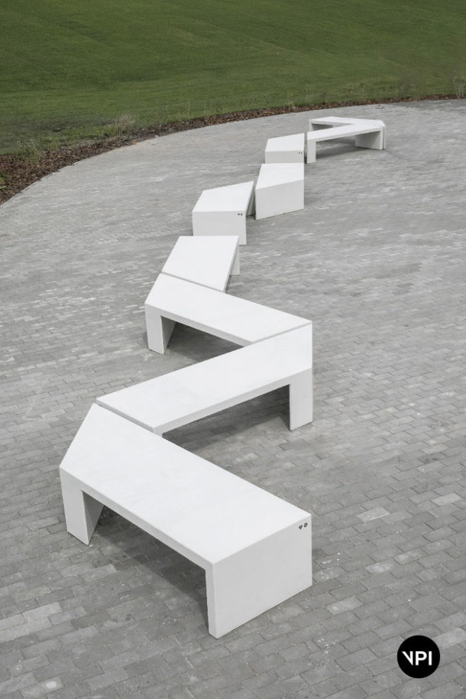 ławka betonowa Zigza 10
