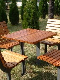 zestaw parkowy, stolik i krzesełka