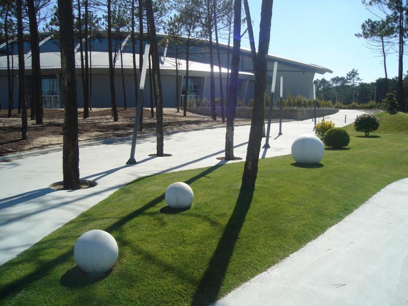 słupek wkształcie kuli Globe